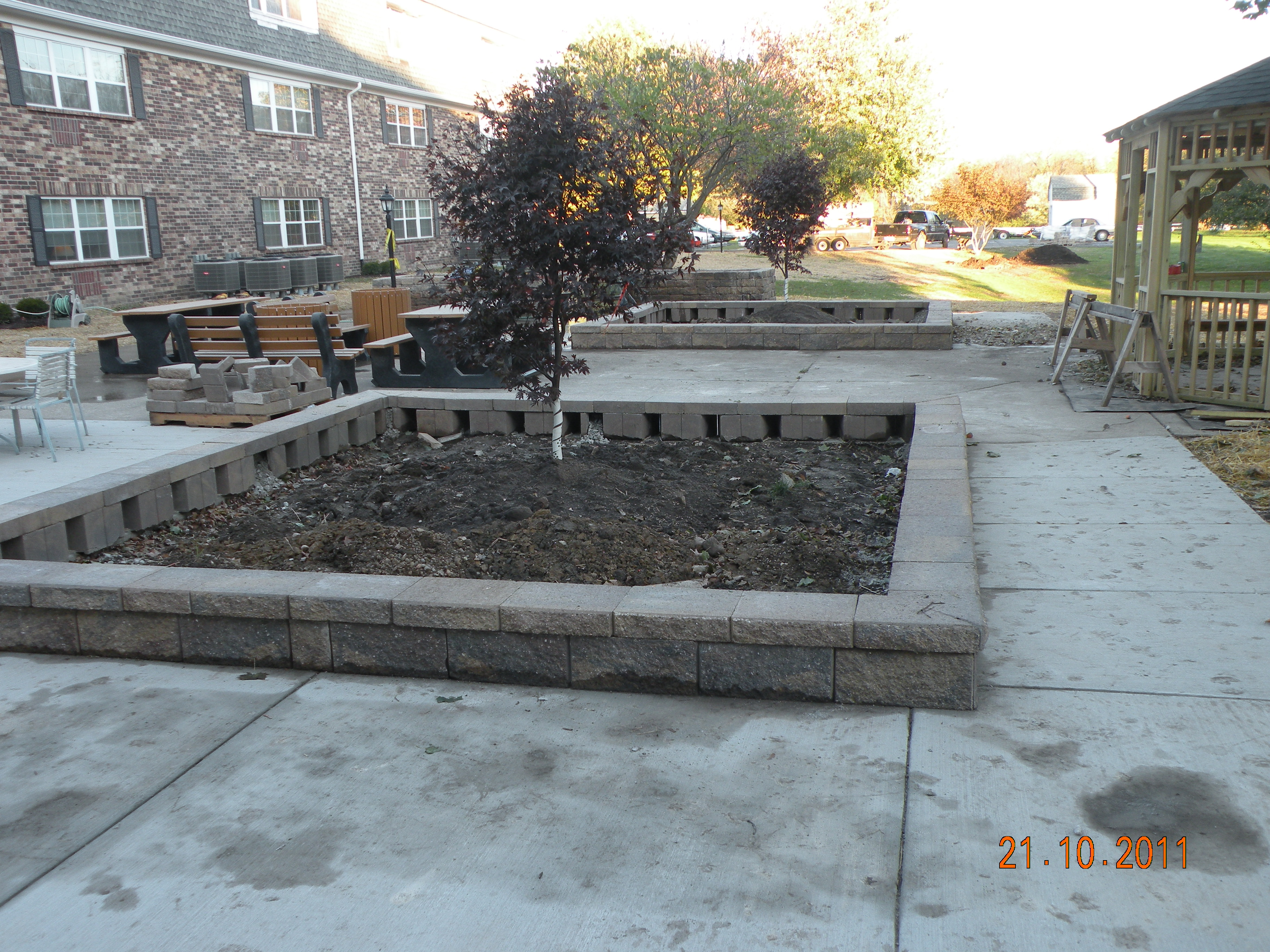 Raised Garden Beds and Benches - Burnett Manor Rockville 2011